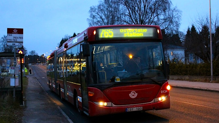 Busslinje 765 från Södertälje Syd till Gärtuna. Foto: Peter Lindberg/Sveriges Radio