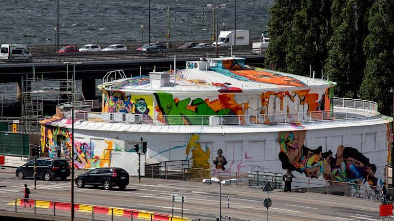 Kolingsborg klädd i grafitti. Foto: Christine Olsson/TT