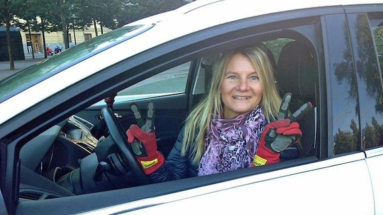 Rallystjärnan Annie Seel tävlar i SM i fickparkering. Foto: Julia Kero/ Sveriges Radio.