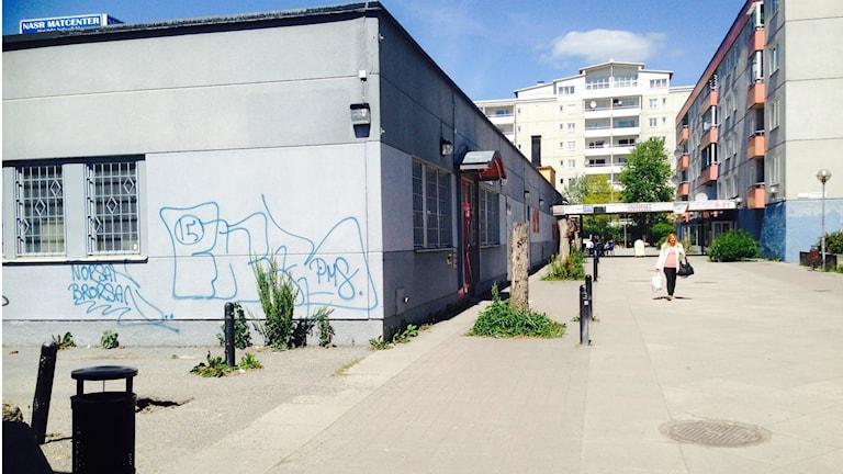 Norsborgs centrum är slitet och illa skött. Foto: Ulf Bungerfeldt, P4 Stockholm