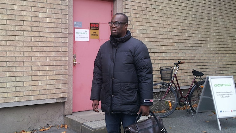 En av alla hundratals arbetssökande vid Crossroads i Frihamnen. Foto: Peter Johansson/Sveriges Radio