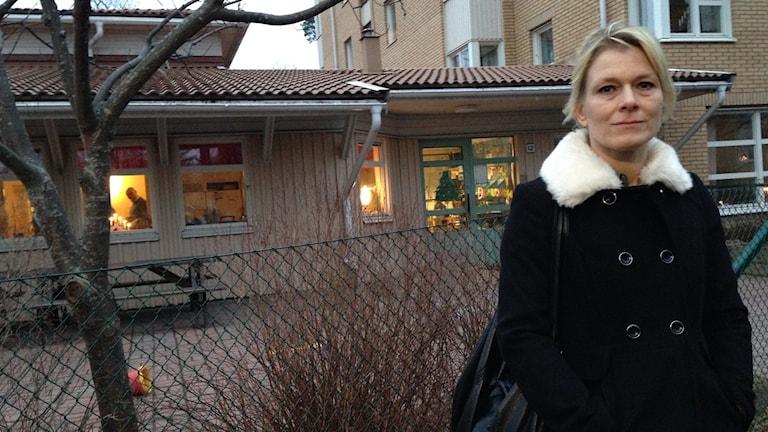 """""""Personalen hinner inte ta hand om så många barn"""", säger Marianne Martinssen. Foto: Mariela Quintana/Sveriges Radio"""