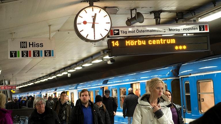 Röda linjens tunnelbana vid T-centralen. Foto: Fredrik Sandberg/TT
