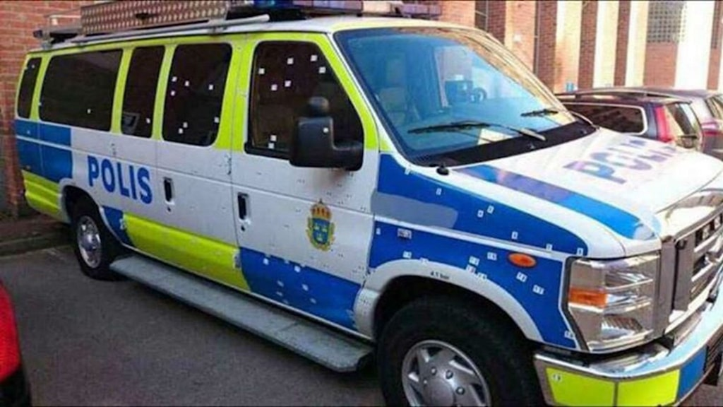 Polisbussen som attackerades. Foto: Polisen