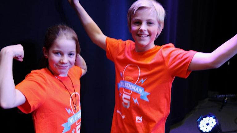 Linus Lindén och Evelina Holmsström från Herrängens skola. Foto: Emelie Smedslund/Sveriges Radio