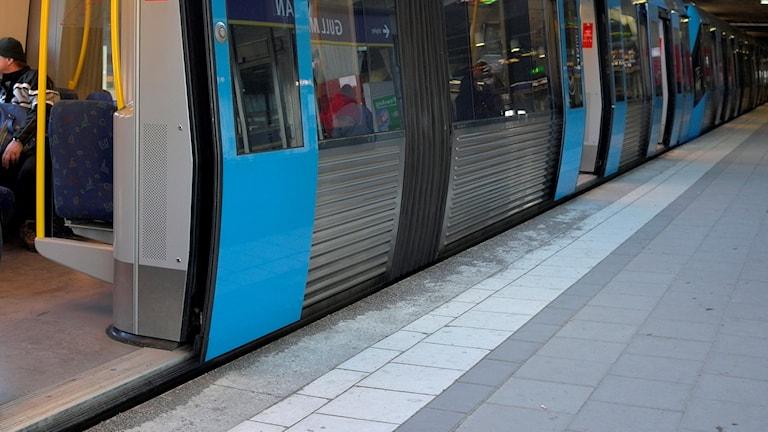 Tunnelbanevagn vid Gullmarsplans tunnelbanestation. Foto Hasse Holmberg /TT