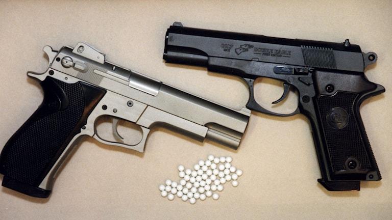 Arkivbild på luftpistoler med plastkulor. Foto: Pawel Flato/TT