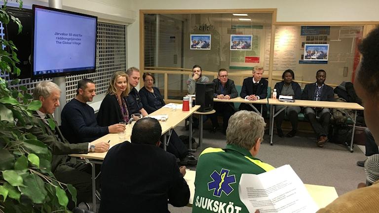 Många talade under debatten i Tensta.