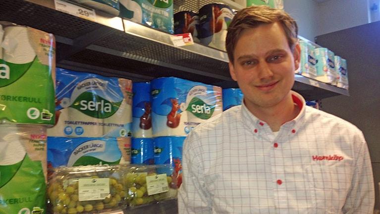 Joakim Skotte, butiksägare.