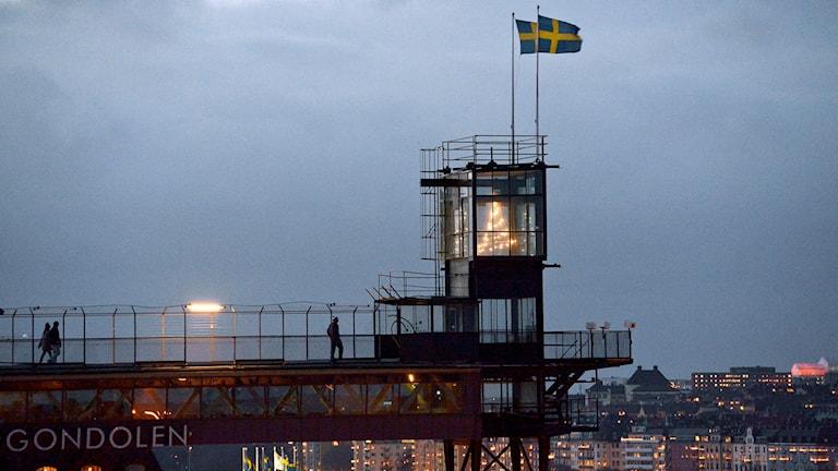 Svenska flaggor vid Slussen i Stockholm.