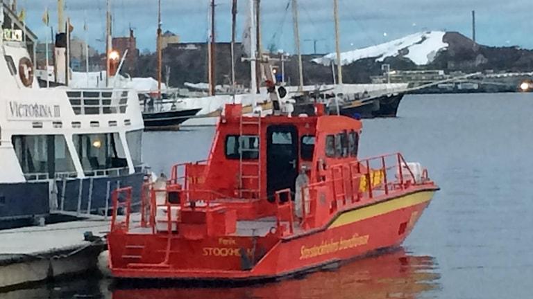 Storstockholms brandförsvars båt Fenix (arkivbild).