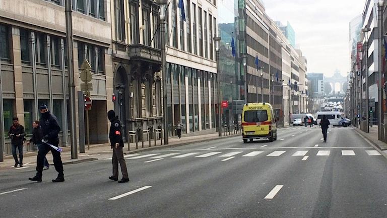 All kollektivtrafik stoppad efter explosioner i Bryssel.
