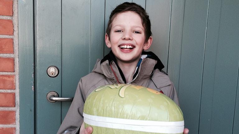 William, 9 år, fick P4 Stockholms påskägg.