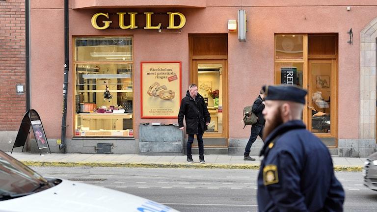 Guldbutik rånad - vittnen grep gärningsman