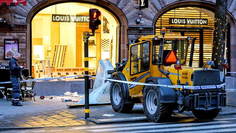 Smash and grab i Stockholm i december.