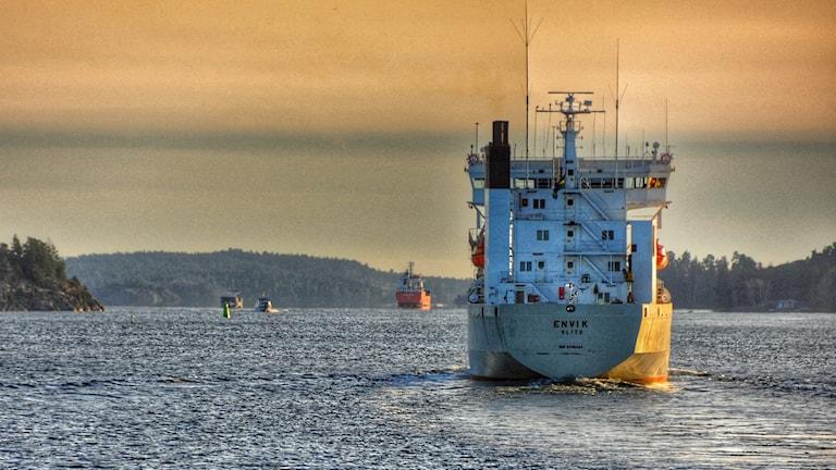 Fartyg på väg i farleden mellan Södertälje och Landsort.