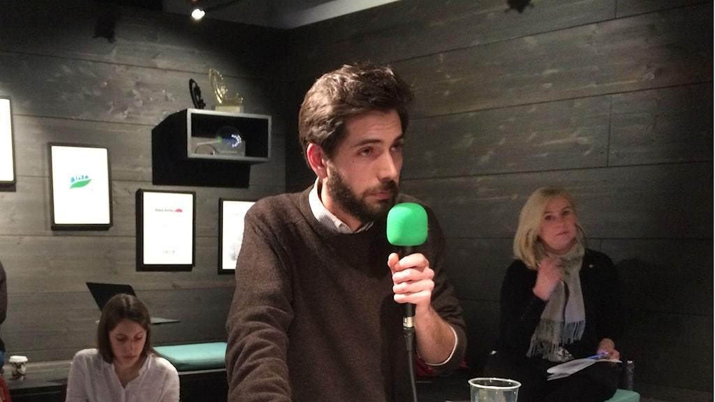 •Sebastian Lagunas Rosén, ordförande i Jagvillhabostad.nu i Stockholm.