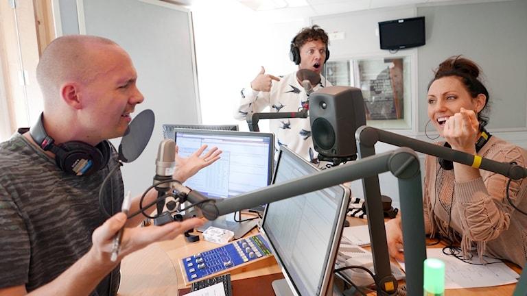 När man tycker till om musik är det inte alltid som man är överens. Inspelningen är i full gång i Radiohuset i Stockholm.