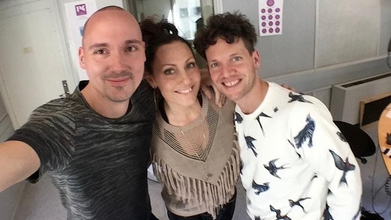 Fredrik, Lina och Nassim i studion efter inspelningen.