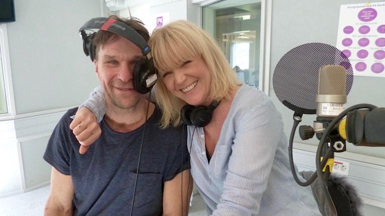 Anders Lundin och Kattis Ahlström ledde Eurovision Song Contest 2000 tillsammans i Globen. I år tycker dom till om Frans motsånd i Eurovision som återkommer till Globen.