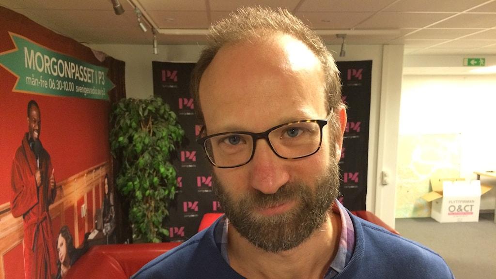 Läkaren och författaren Christian Unge. Foto: Sveriges Radio/ Jenny Goldkuhl