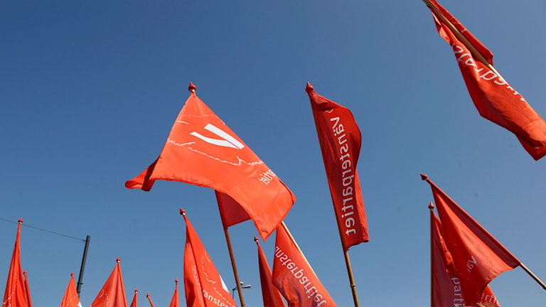 Vänsterpartiets flaggor.