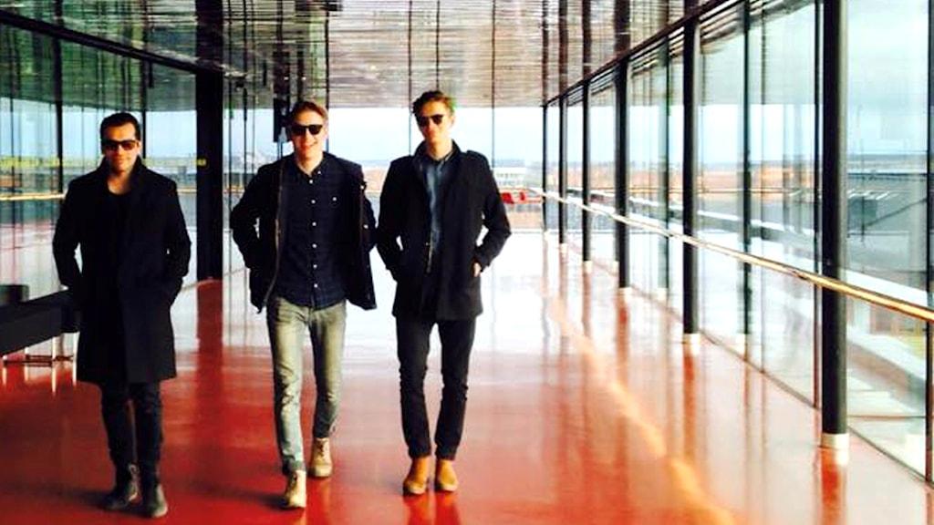 Erik Toro & Dimpker Brothers.