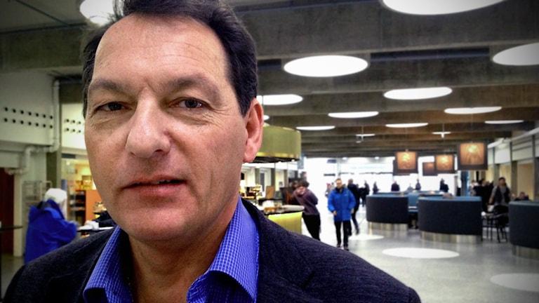 Bo Östenius, rektor i Vallentuna, blev felaktigt avskedad anser tingsrätten nu.