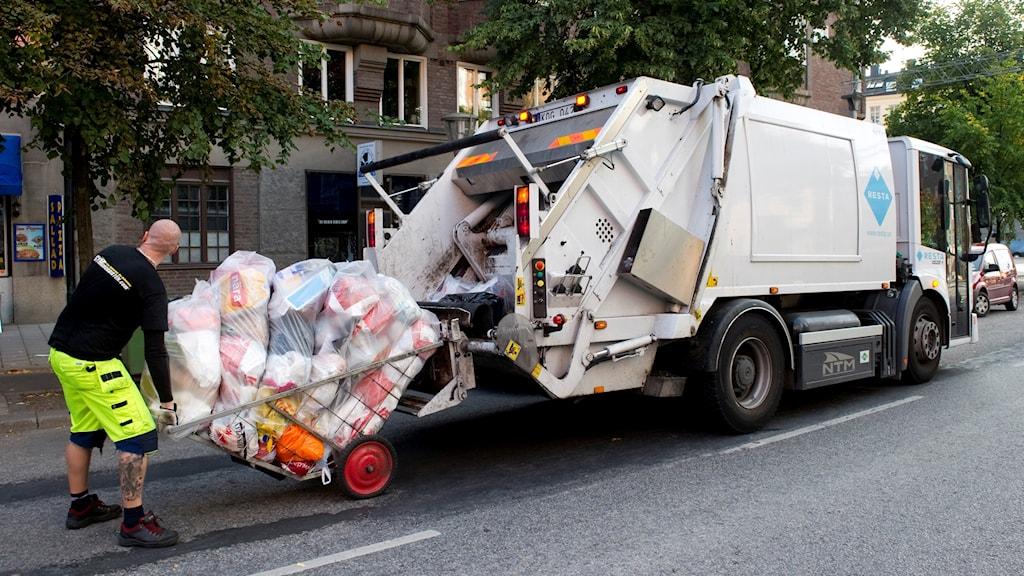 Det finns mer att återvinna ur täbybornas sopor (arkivbild).
