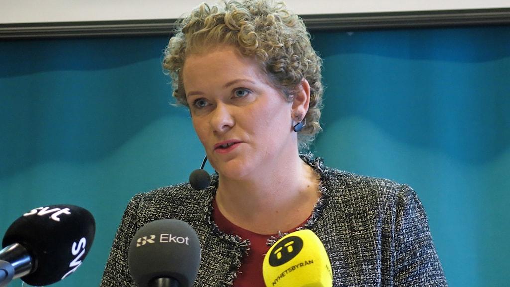 Finansborgarrådet Karin Wanngård (S) under presentationen av OS-utredningen.