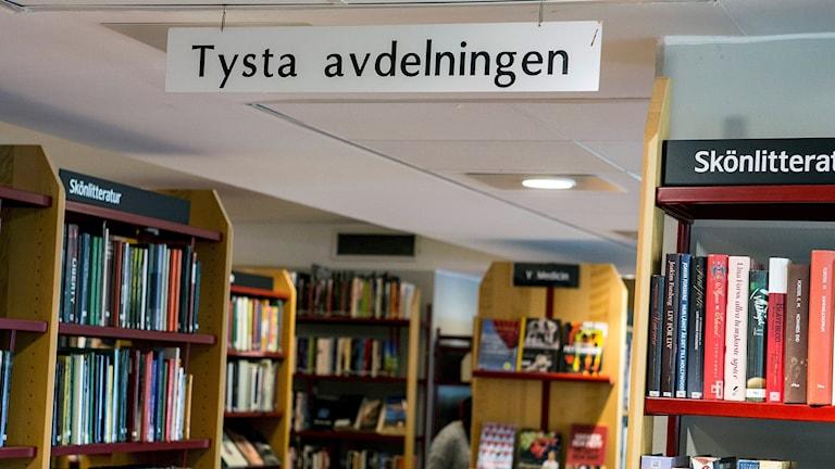 Böcker på bibliotek