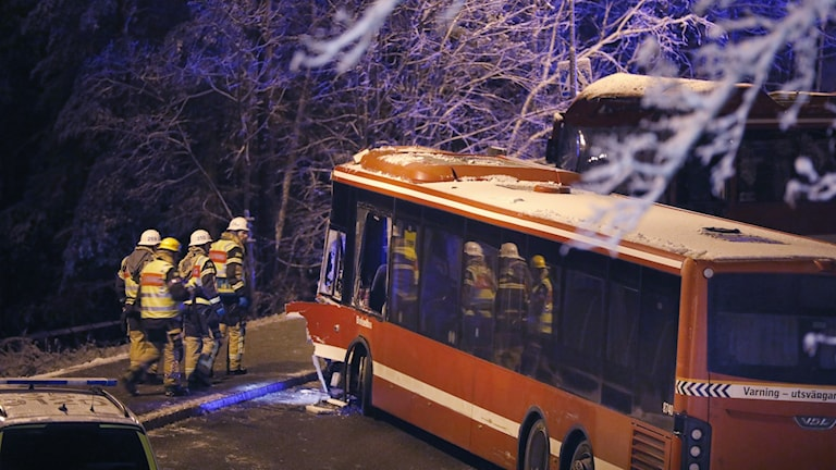23 personer skadades i frontalkrocken mellan de två SL-bussarna.