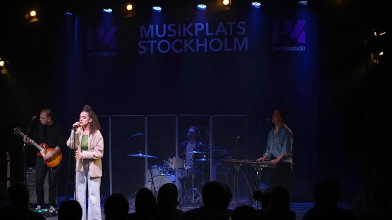 Rhys på Musikplats Stockholm.