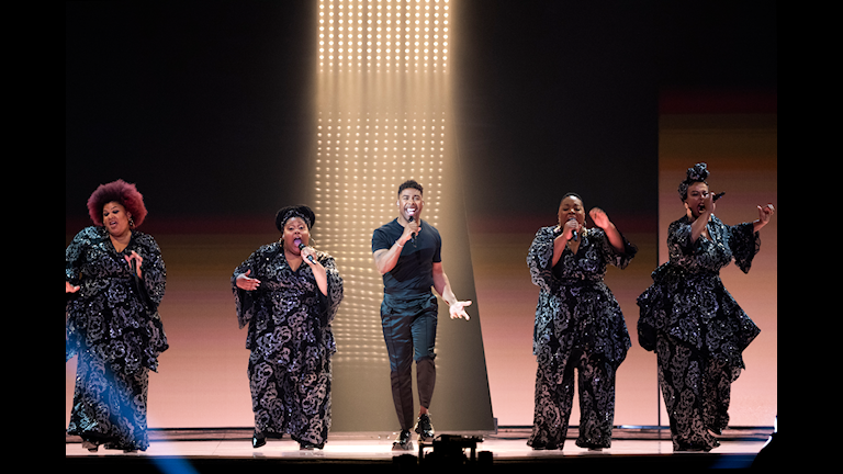 """John Lundvik tävlar med låten """"Too Late for Love"""" i semifinal 2 i Eurovision 2019."""