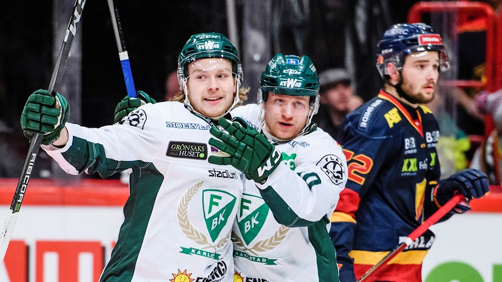 Färjestads Marcus Nilsson och Oskar Steen jublar.