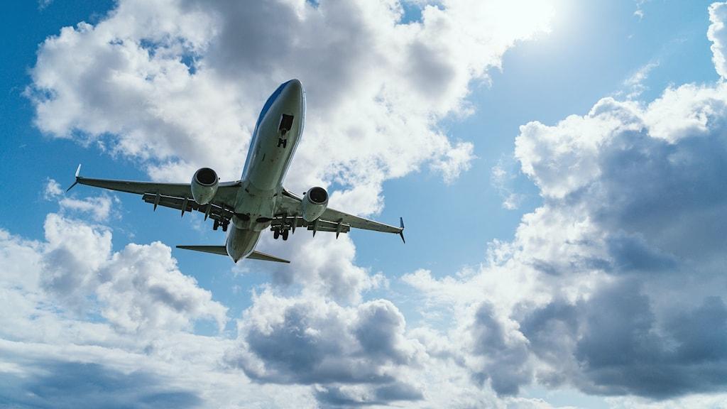Flygplan vid Korfus flygplats i Grekland.