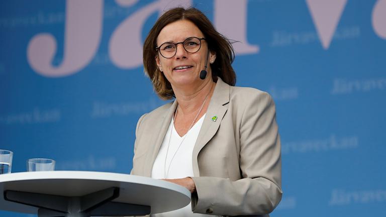 Isabella Lövin, språkrör för Miljöpartiet, talade på Järvaveckan 2019.