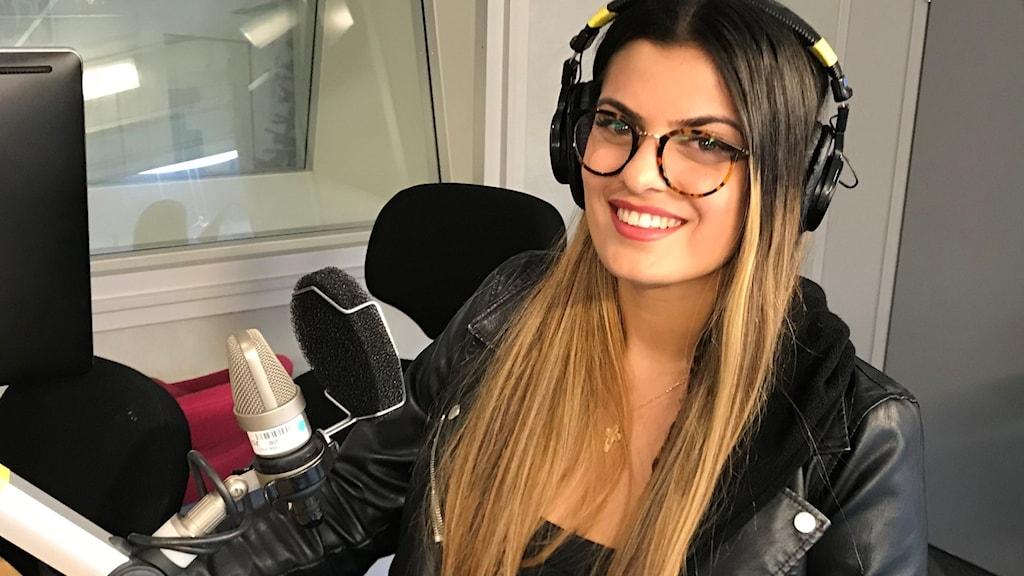 Rebecka Assio intervjuas i Musikplats Stockholm inför riksfinalen av P4 Nästa 2021.