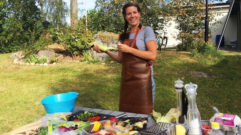 Grillmästaren Jessica Ortman med sitt grillbord