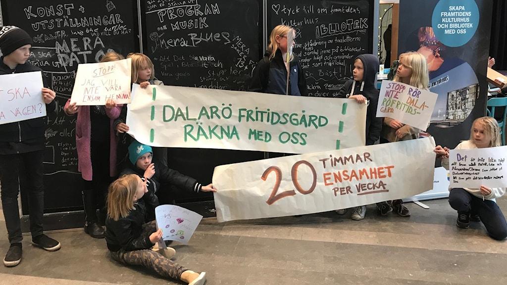 Demonstration mot att Haninge planerar att lägga ner fritidsgårdar