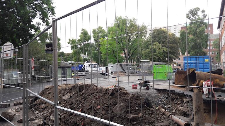 Skolgården på Rålambshovskolan där det ska byggas paviljonger för undervisning