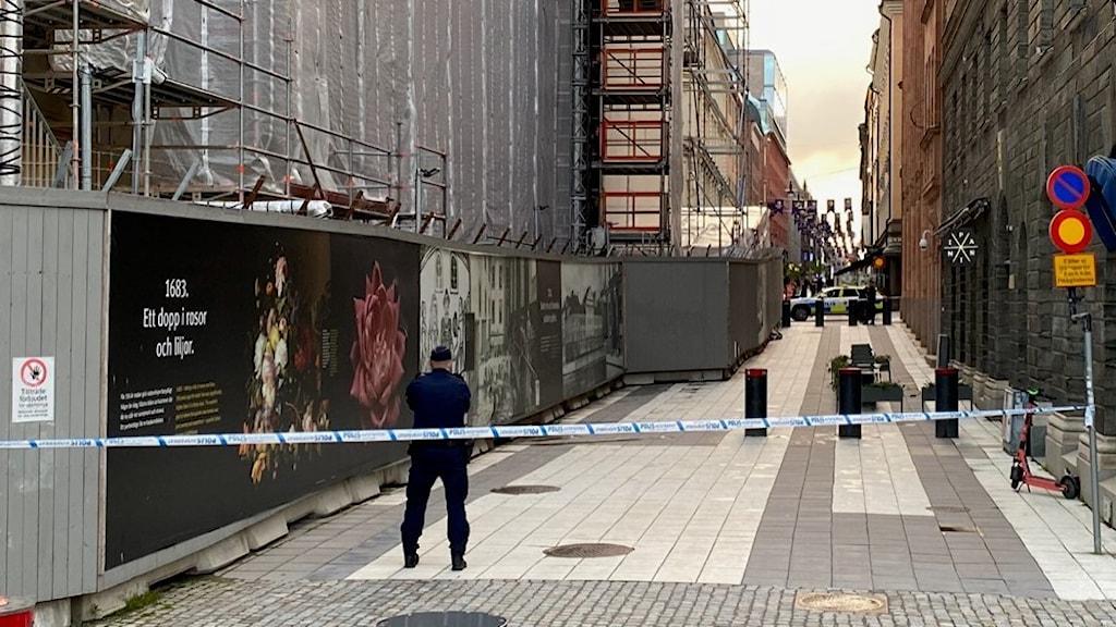 polisavspärrningar vid drottninggatan i stockholm