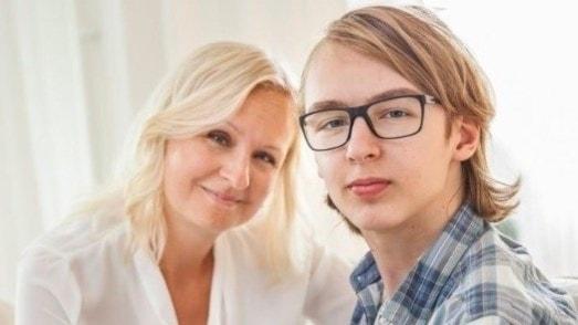 Linn Wågberg med sonen.