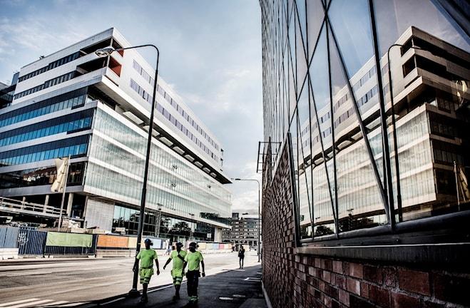 Avtalet kring Nya Karolinska sjukhuset i Solna kan komma att rivas upp