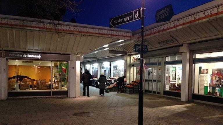 Affärerna i Husby Centrum kommer att vara stängda på fredag mellan klockan 13:00 och 18:00.