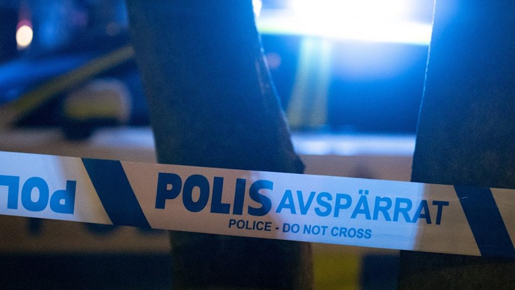 Polis och avspärrningar