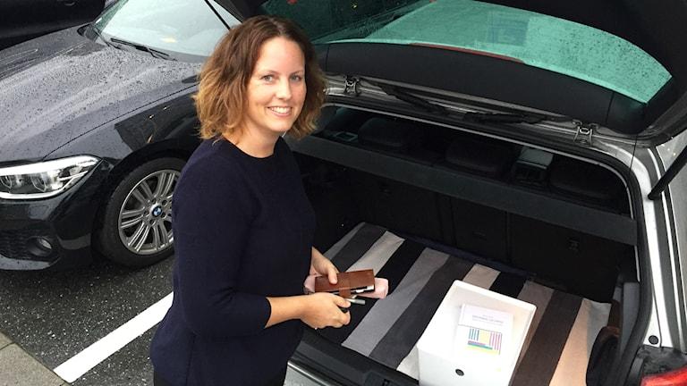 Ordningsexperten Brita håller ordning även i bagageutrymmet /Foto: Sveriges Radio