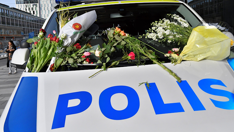 TERRORDÅD DROTTNINGGATAN BLOMMOR