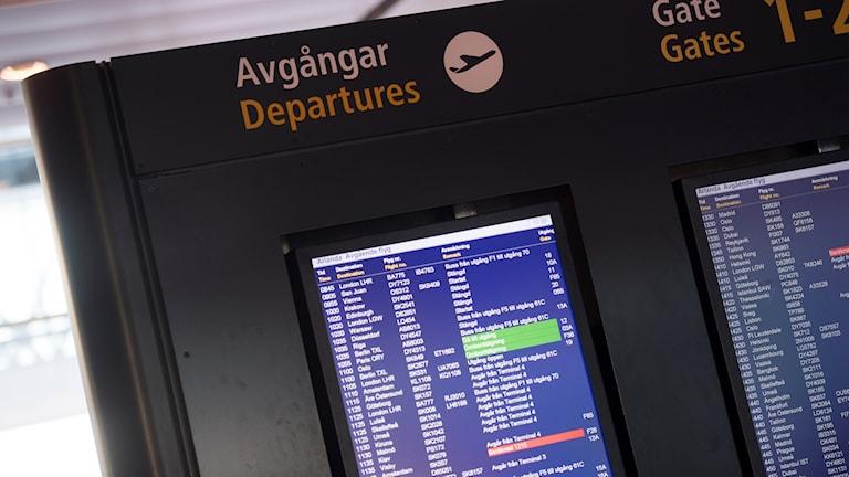 Under hela dagen har avgående flyg från Arlanda varit försenade på grund av åskoväder. Foto: Fredrik Sandberg/TT