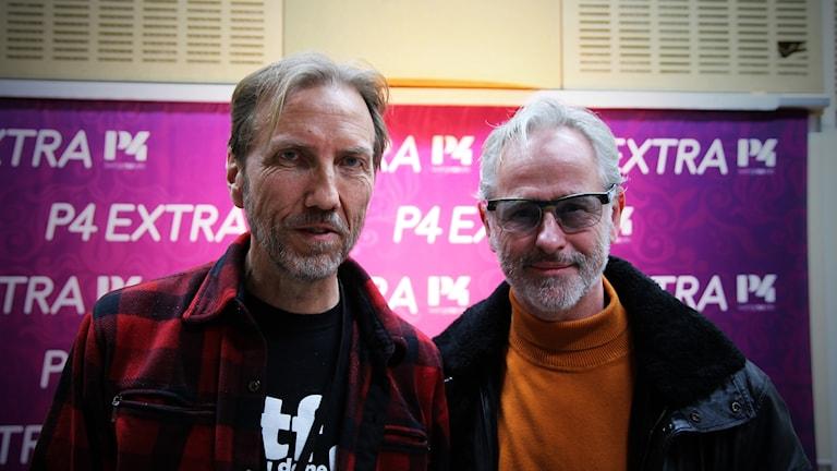 P4 Extras programledare Erik Blixt tillsammans med Uno Svenningsson.